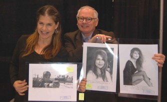 Linda Hamilton (Sarah Connor, Terminator) receiving some of Robert's illustrations.