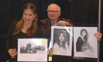 Linda Hamilton (Sarah Connor, Terminator) receiving some of Robert's illustrations.