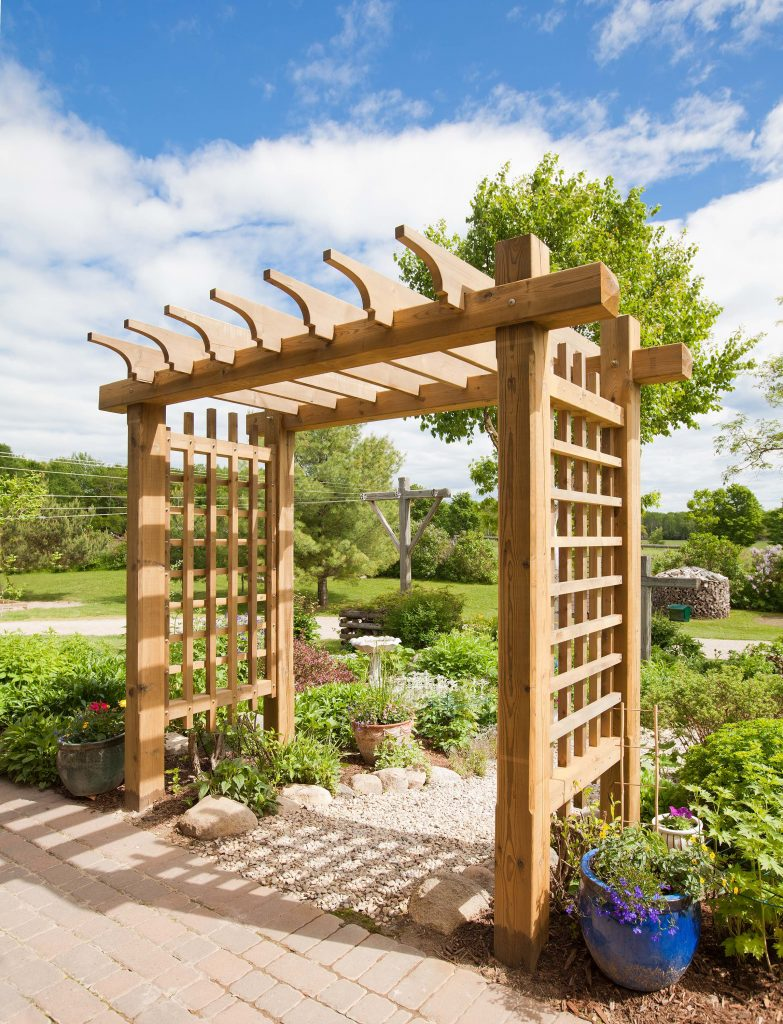 Four Outdoor Woodworking Project Tips