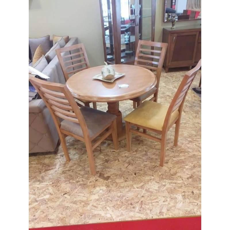 table a manger ronde avec quatre chaises