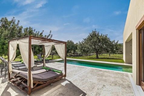 Lounge am Pool