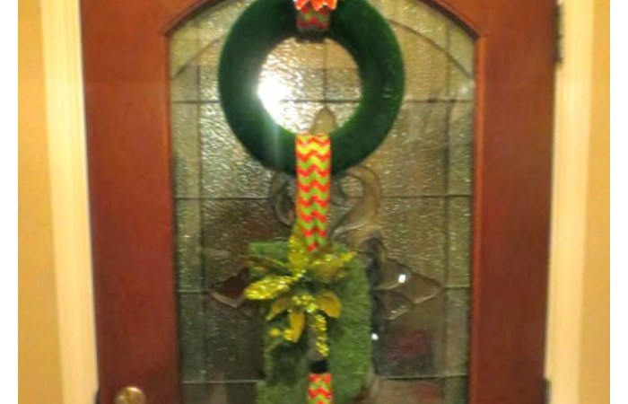 3 Tier Christmas Wreaths (Holiday Decor Series 2)