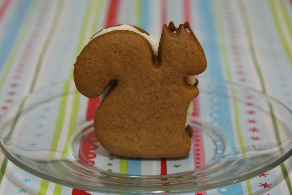 squirrel-sandwich-cookie