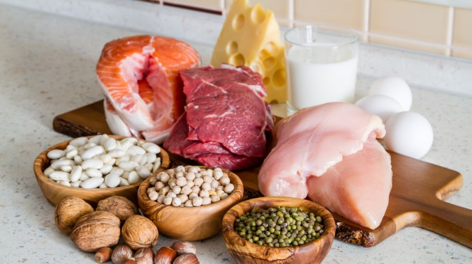 cuanta proteina comer al dia