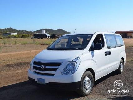 Minivan Hyundai H100. Transporte turístico en Baja California.
