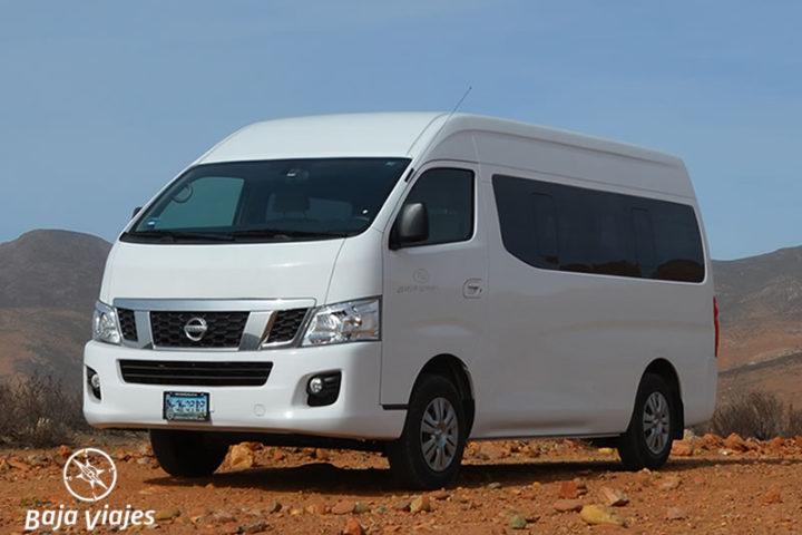 Van Nissan Urvan, 15 pasajeros. Transporte turístico en Baja California.