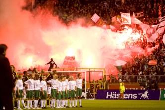 2007-09-03, Fotboll, Allsvenskan, Råsunda, Hammarby - AIK (1-2); Hammarby publik, Bengaler, jubel. ©Andreas L Eriksson