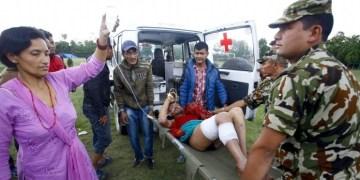 Más de 10 mil podrían ser los muertos por terremoto en Nepal 6