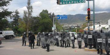 CETEG y antimotines se confrontan en Chilpancingo 4