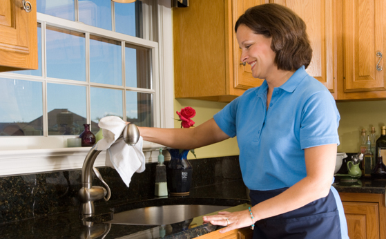 Cada vez más pobres las trabajadoras del hogar: Senado
