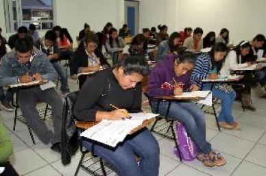 Son evaluados en Guerrero aspirantes a plazas en educación básica