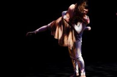 Homenaje dancístico a Kazuo Ohno y Leonard Cohen en el Cervantino
