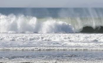 Energía eléctrica creada con olas del mar 6