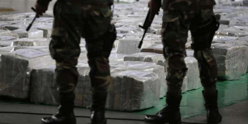 Decomisan armamento y cerca de una tonelada de marihuana en Jalisco