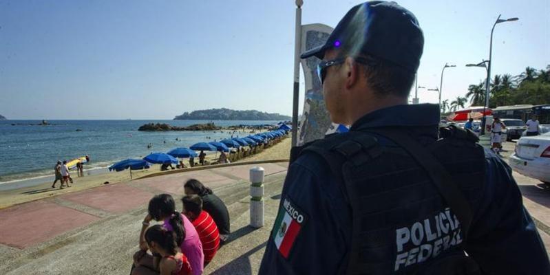 Detienen a tres con droga y cuerno de chivo en Acapulco