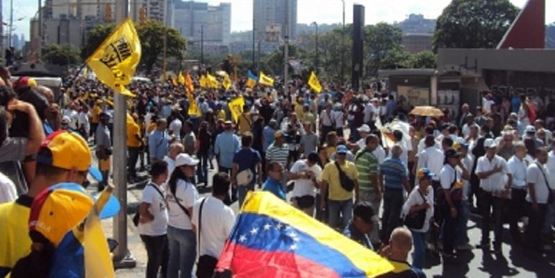 Gobierno de Colombia niega violencia en Venezuela