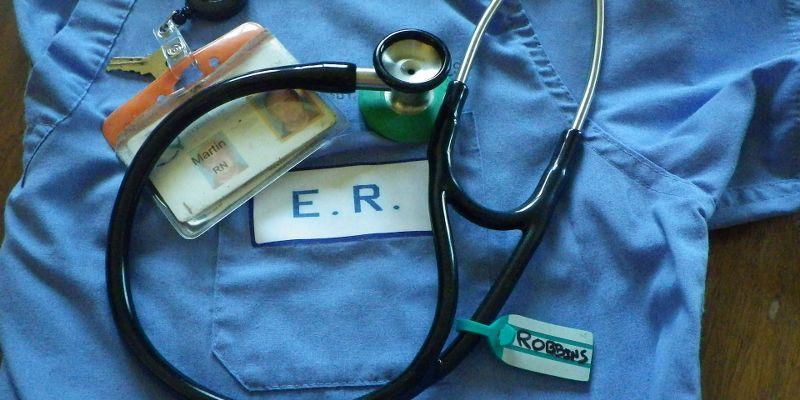 Inhabilitan a enfermero por acostarse con la esposa de un paciente en Australia