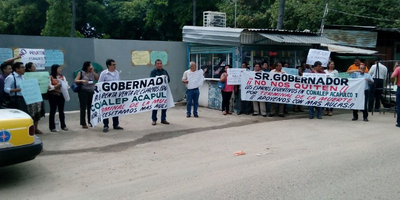 Protestan maestros del Conalep por irregularidades