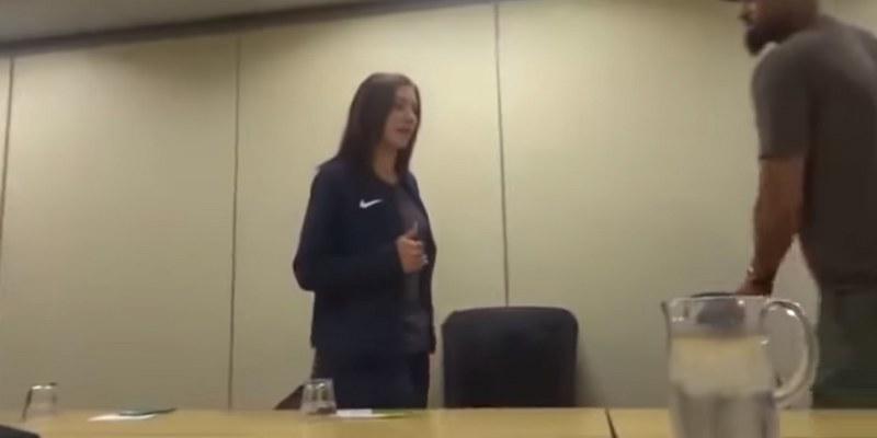 Hope Solo llora luego de ser suspendida de su selección  [VIDEO]