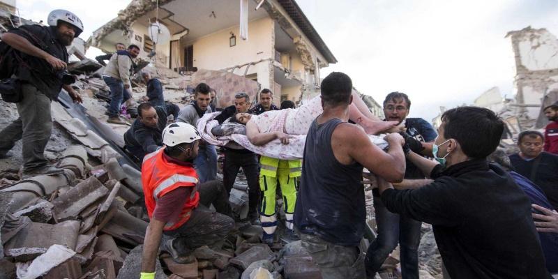 Decretan luto en Italia; cifra de víctimas aumenta