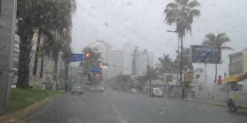 Huracán Matthew alcanza categoría tres en el Caribe
