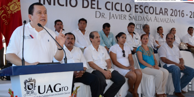 Hacer campaña contra Trump pide rector de Guerrero