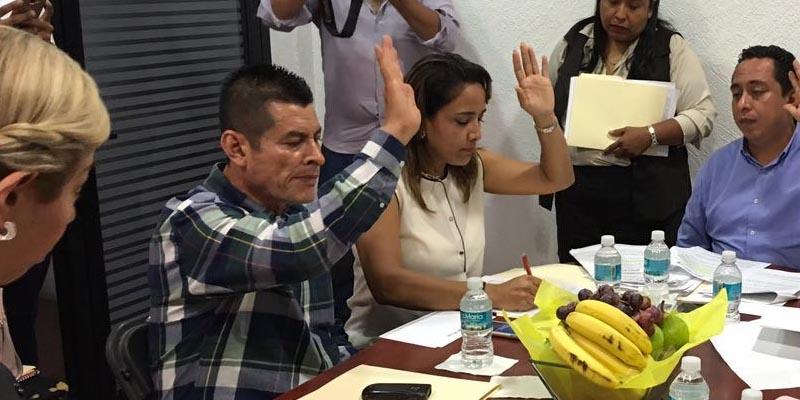 Exigirán a la CFE pague impuestos de postes de luz en Acapulco