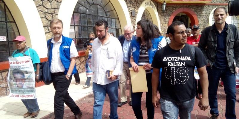 Se reúne Alto Comisionado de ONU con padres de los 43