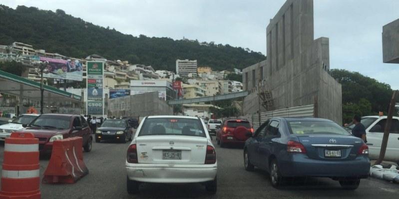 Provoca caos vial obra del Marcotúnel en escénica de Acapulco