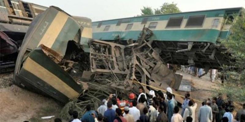 Choque de trenes en Pakistán deja 6 muertos y 150 heridos
