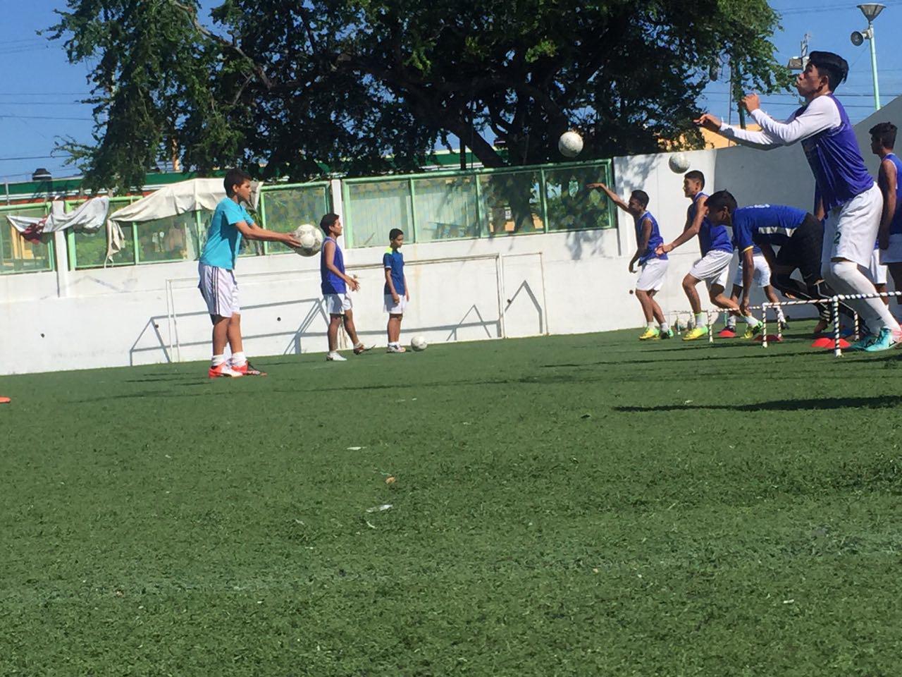 Con futbol, buscan recomponer el tejido social en Acapulco