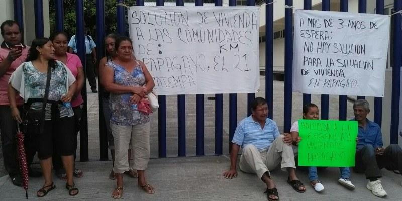 Toman damnificados (de nuevo) oficinas de SEDATU en Chilpancingo