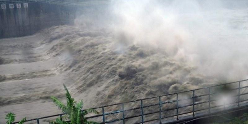 Tifón Megi toca tierra en China tras azotar a Taiwán