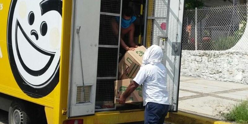 Saquean transportistas camiones repartidores en Acapulco