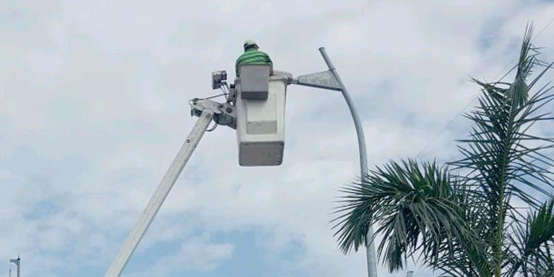 Prevén una semana para reparar fallas de alumbrado en Costera de Acapulco