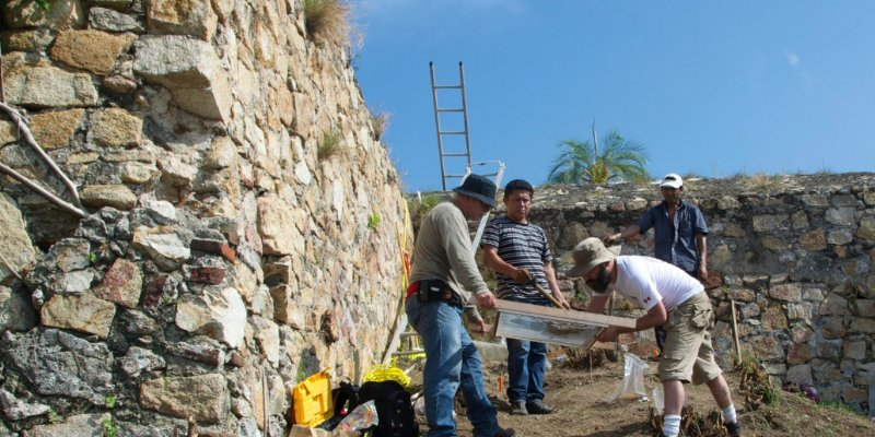 """Hallan """"Cápsula del tiempo"""" que cuenta historia del Acapulco colonial"""