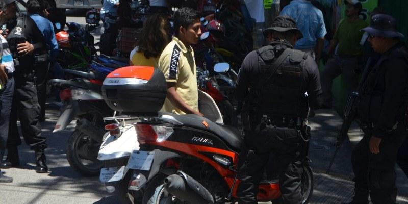 Buscaban droga y sólo confiscaron 65 motos en Chilpancingo
