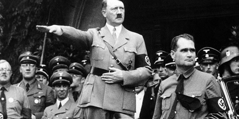 Saludos desde el pasado, encuentran capsula del tiempo nazi en Polonia