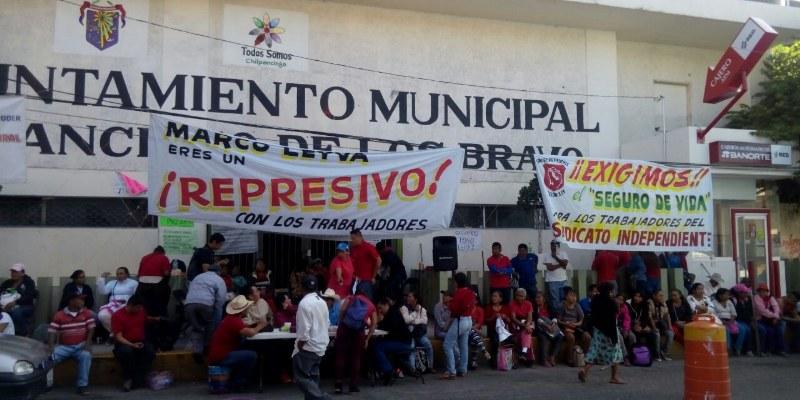 Cumplen sindicalizados cuarto día de protesta contra Leyva Mena