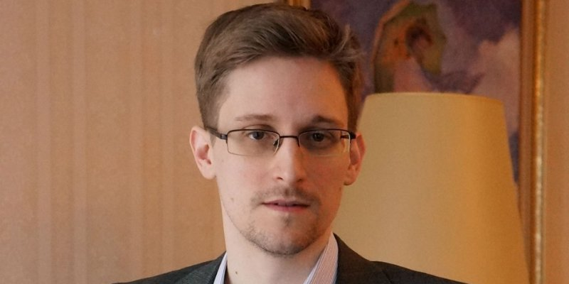 Piden que Obama perdone a Snowden