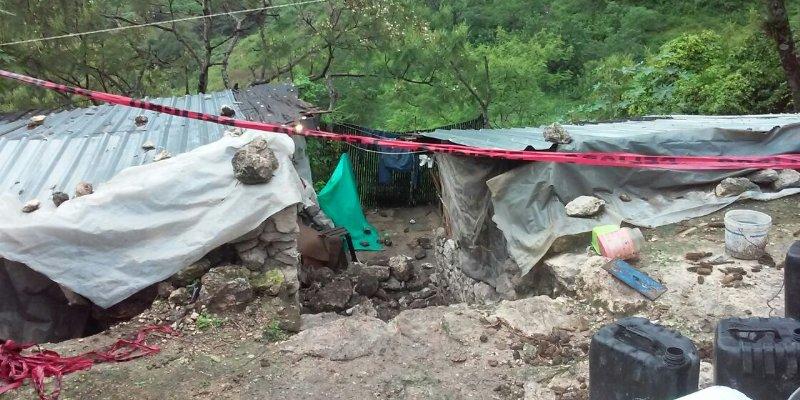 Muere madre y sus cuatro hijos por derrumbe en Guerrero