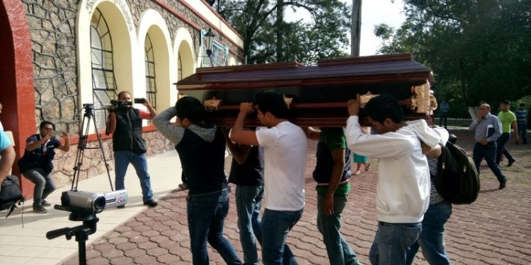 Condenan OSC asesinato de normalistas y otras cuatro personas 3