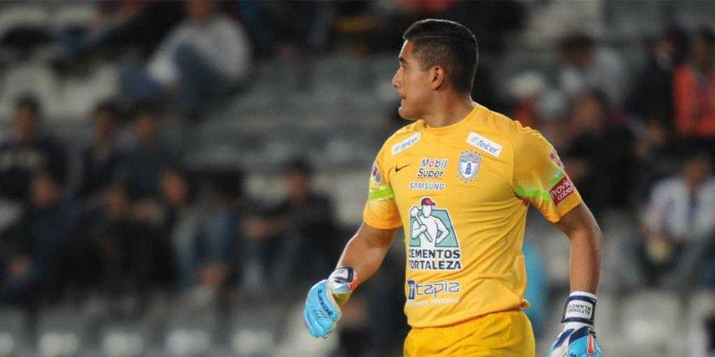 Celebra portero de Pachuca su primer trofeo como titular