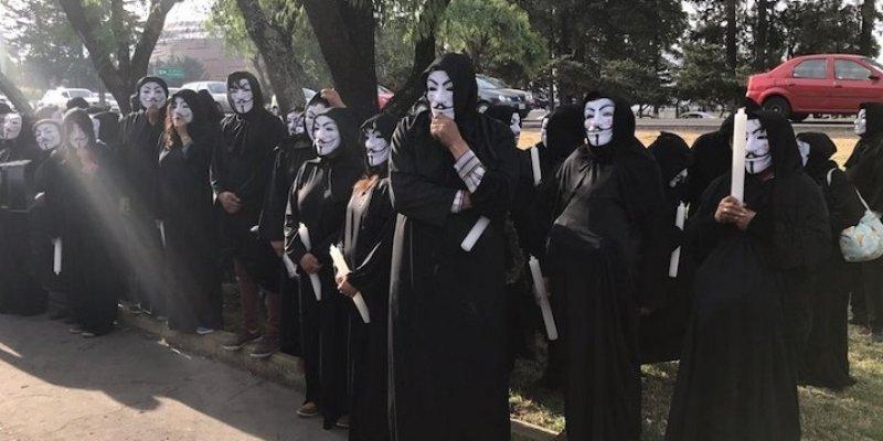 Anonymous protesta en debate de candidatos en Edomex