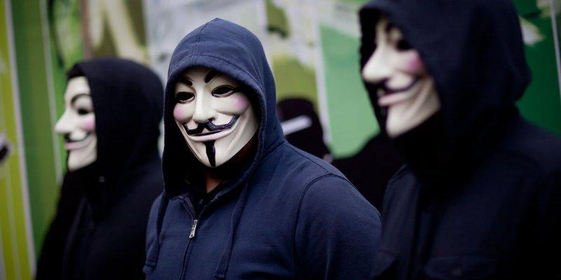Anonymus revela red de empresas enriquecidas por EPN