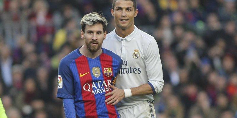 Messi y Cristiano protagonizan tremendo beso de amor