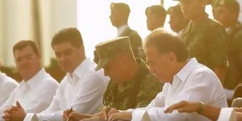'Llegan a Veracruz en momento delicado', dice Yunes a Policía Militar