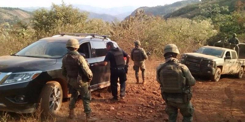 Roban auto a turistas en Guerrero; lo localizan 5 horas después