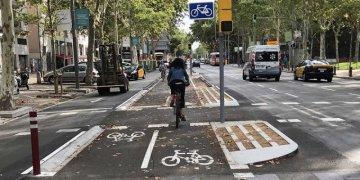 Las personas utilizan más la bicicleta cuando los desplazamientos son más cortos, y cuando tienen estaciones de bicicletas públicas cerca de sus domicilios y centros de trabajo o estudio. / ISGlobal