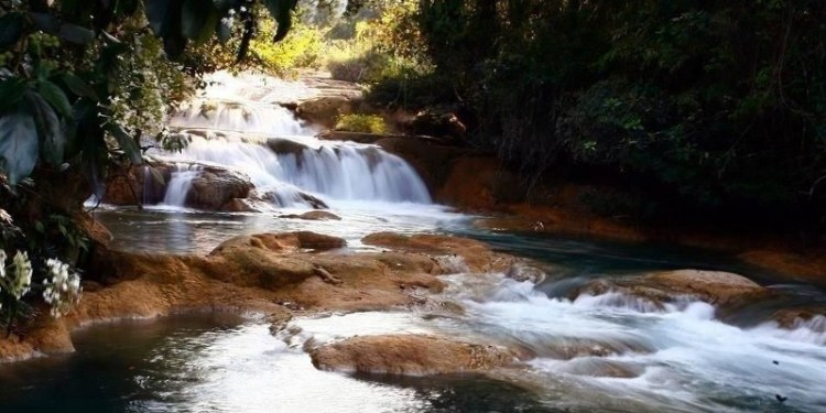El sismo ocasionó el rompimiento de rocas sobre el cauce de las cascadas de Agua Azul